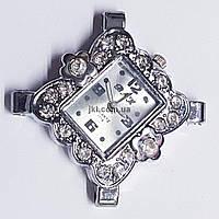 Часы на руку, 32*32*8 мм, на металле, циферблат, серебро, инкрустированы стразами