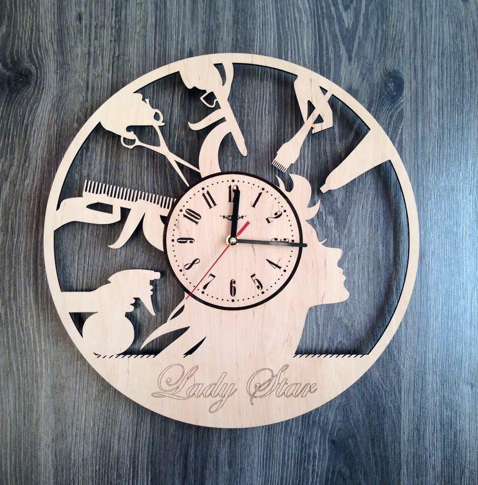 Круглые большие деревянные часы в парикмахерскую 7Arts CL-0196