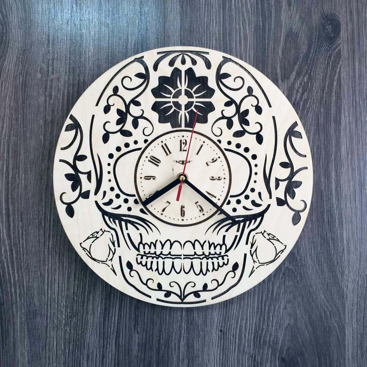 Стильные настенные деревянные часы в готическом стиле CL-0222