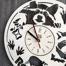 Часы из натурального дерева настенные Забавный енот CL-0239, фото 2