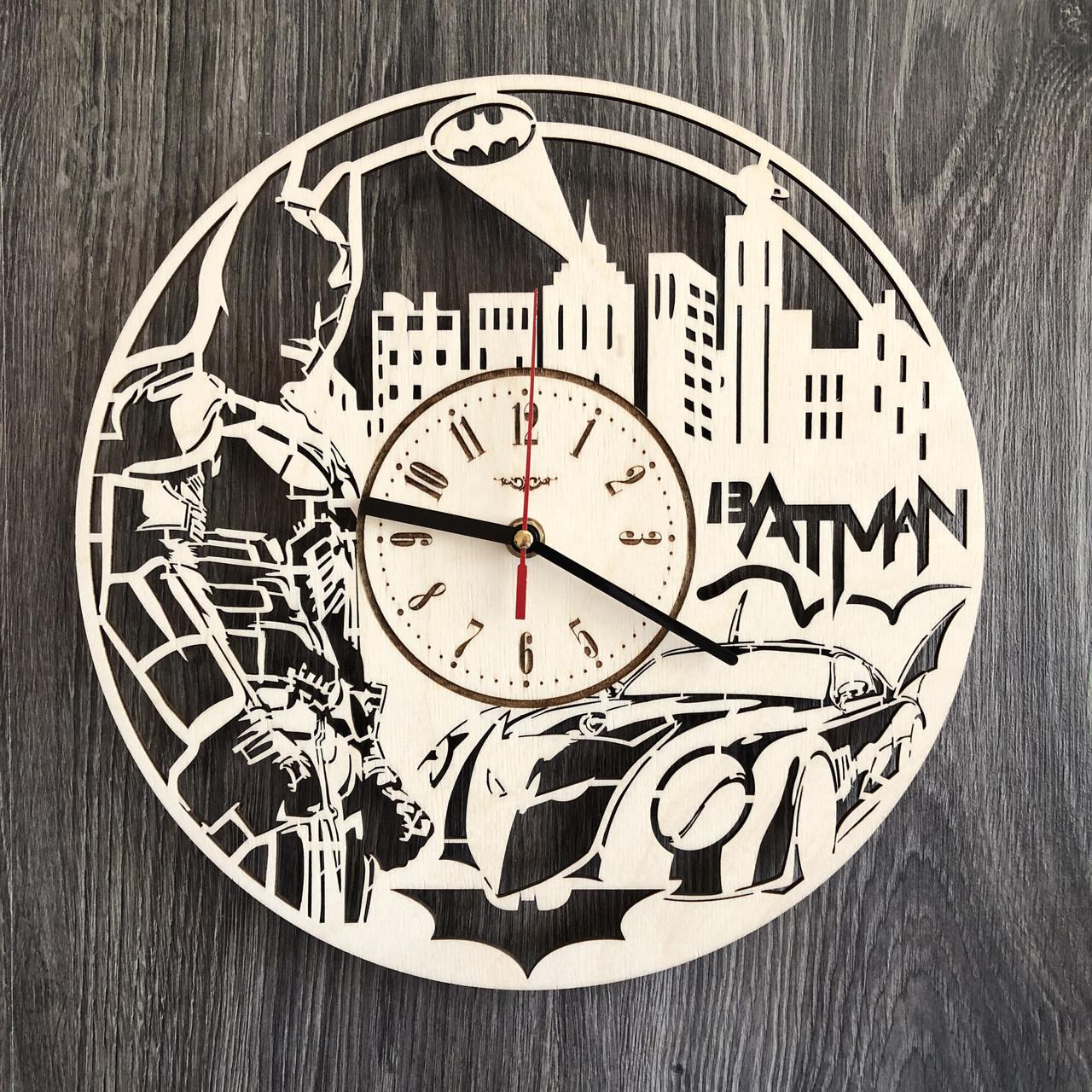 Настенные часы из дерева с плавным ходом Бэтмен CL-0260