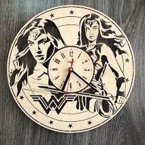 Часы деревянные настенные Чудо-женщина CL-0267