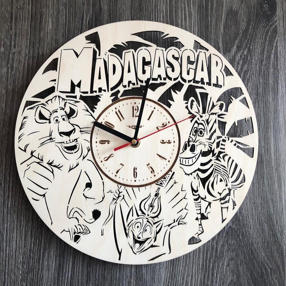 Бесшумные настенные часы из дерева в детскую Мадагаскар CL-0285