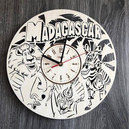Бесшумные настенные часы из дерева в детскую Мадагаскар CL-0285, фото 2