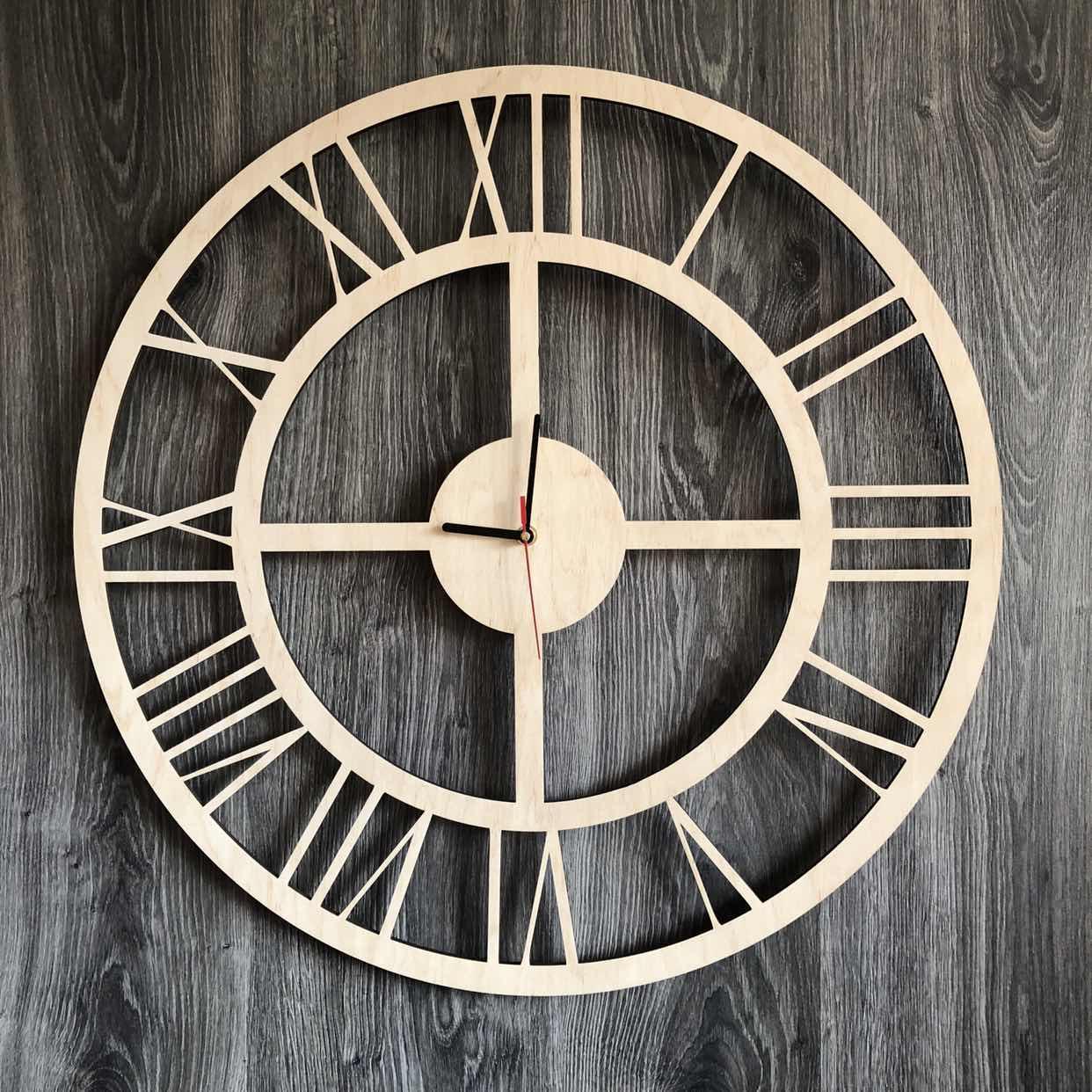 Бесшумные настенные часы из дерева в интерьер с универсальным дизайном CL-0287