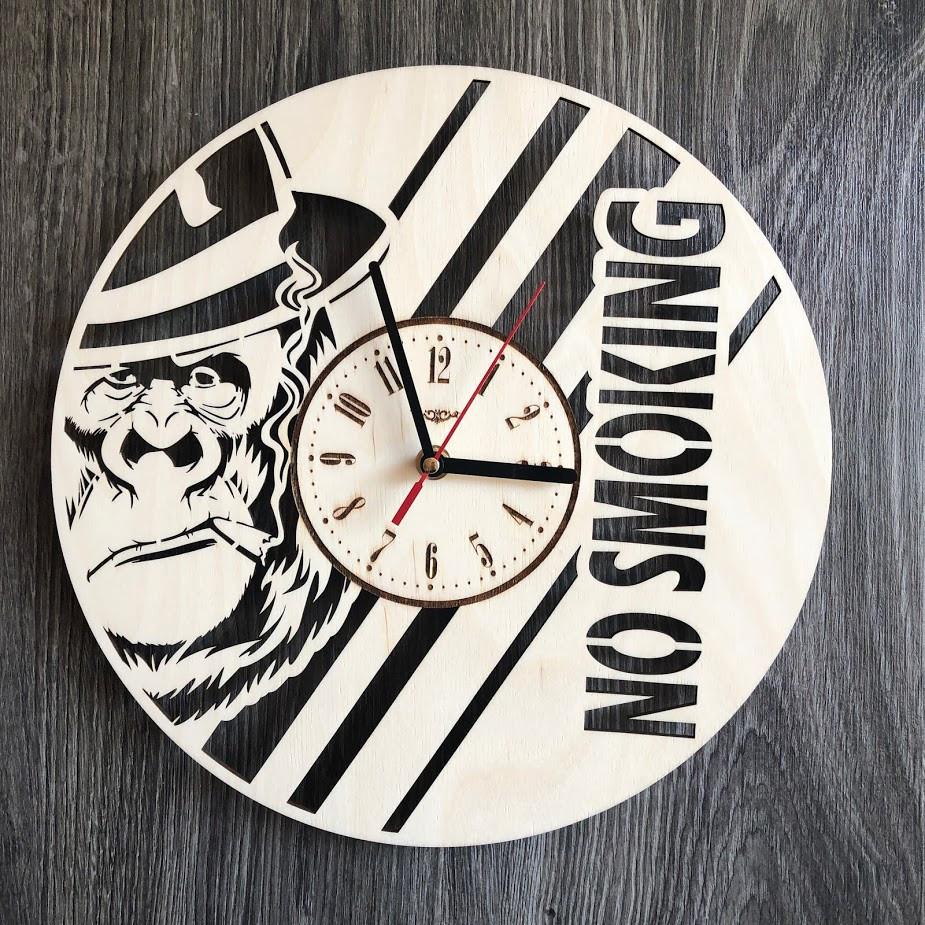 Бесшумные настенные часы из дерева круглые NO SMOKING CL-0296