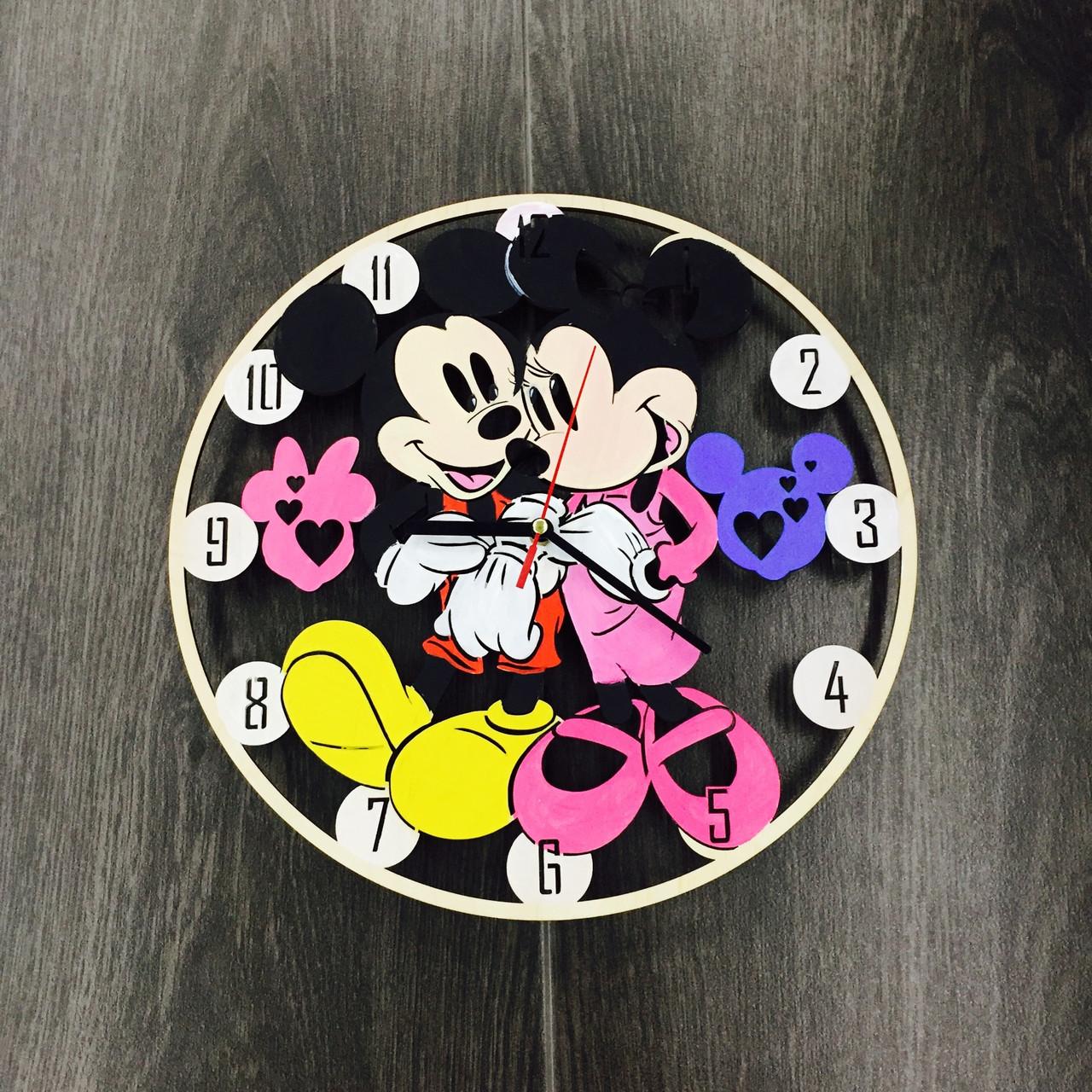 Детские настенные часы 7Arts Микки Маус цветные CL-0069