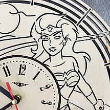 Настенные часы с дизайнерским циферблатом 7Arts Чудо-женщина CL-0085, фото 3
