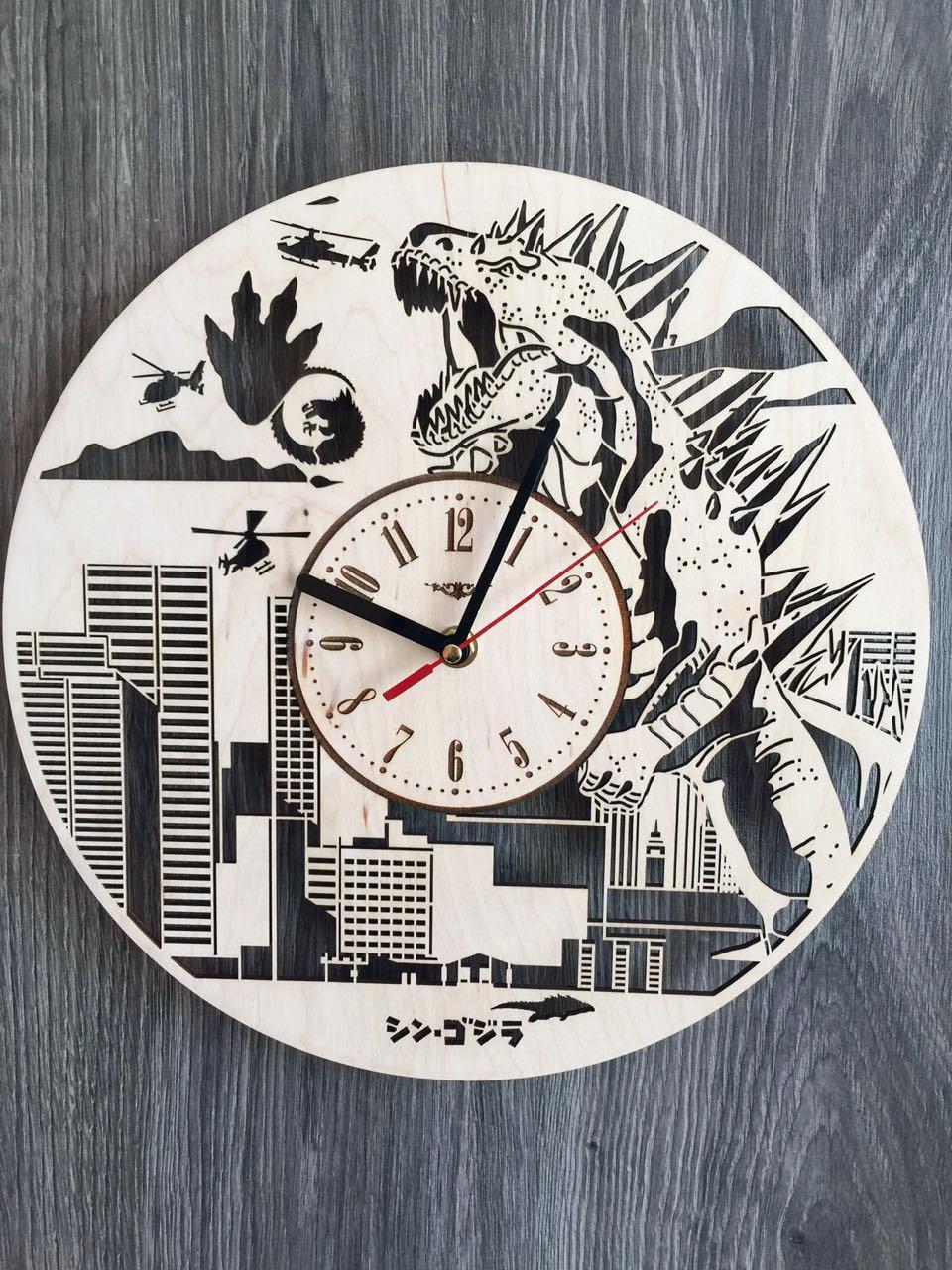 Настенные деревянные часы 7Arts Годзилла CL-0142