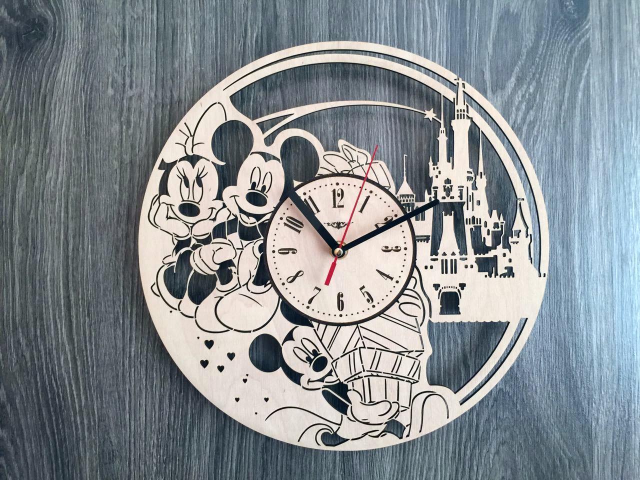 Детские декоративные часы на стену 7Arts Микки и Минни Маус CL-0152