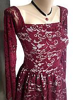 Бордовое кружевное платье с квадратным вырезом или открытыми плечами