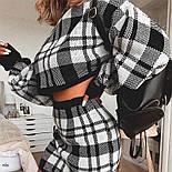 Женский черно-белый юбочный костюм в клетку с укороченной свободной кофтой vN5853, фото 2