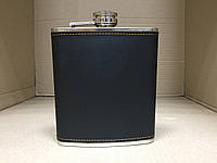 Фляга в черной экокоже сувенирная Hip Flask 475 мл.