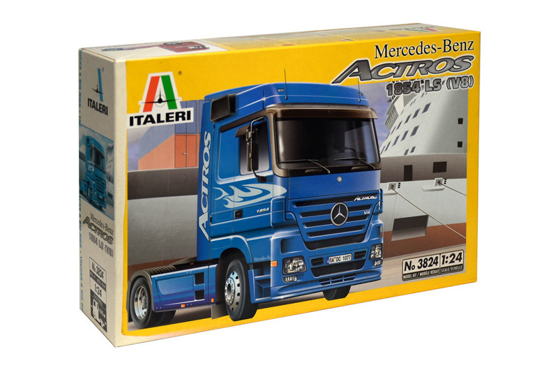MERCEDES - BENZ ACTROS 2003. Сборная модель автомобиля-тягача в масштабе 1/24. ITALERI 3824