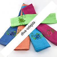Стильное полотенце для рук и лица с цветочками.Размер:1,0 x 0,5