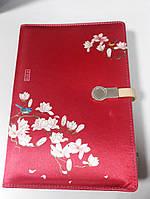 Блокнот ежедневник женский красный с принтом со встроенным  POWER BANK 16 GB флешка