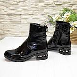 Ботинки черные женские на невысоком каблуке, натуральная лаковая кожа, фото 3