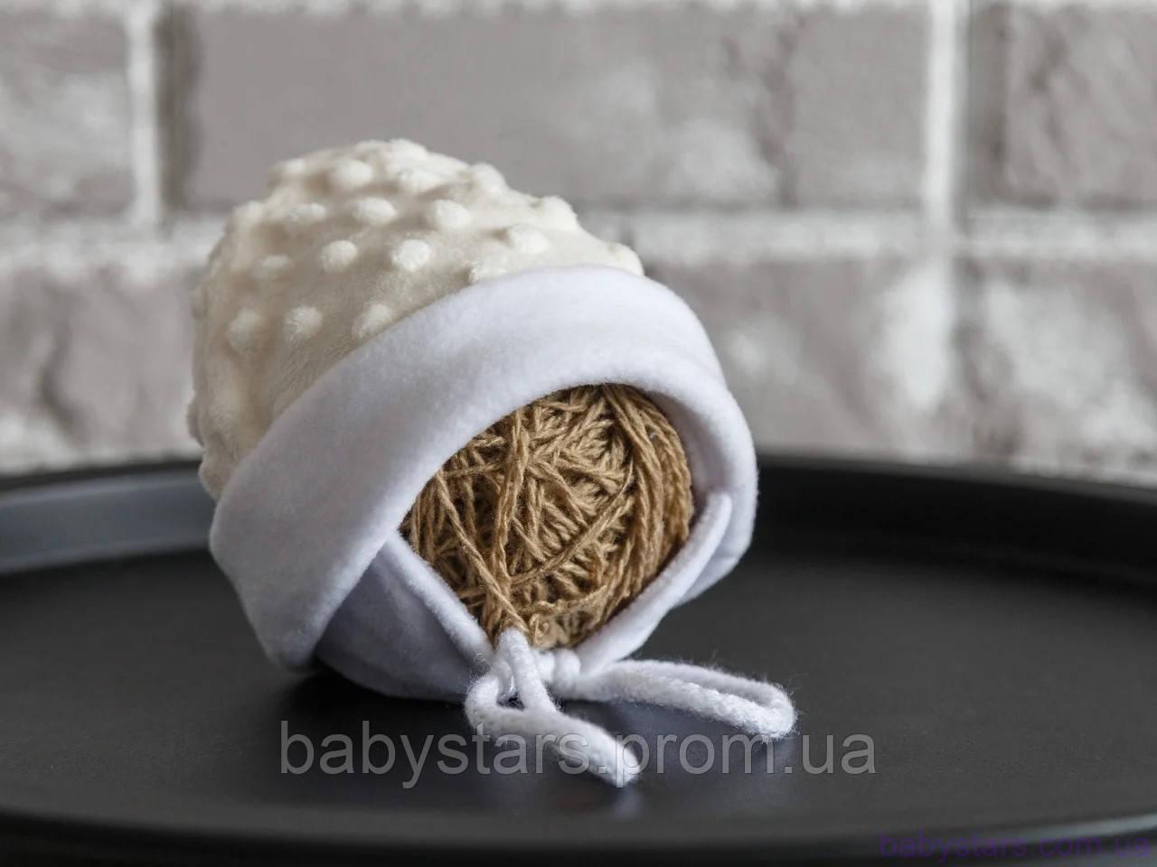 Шапочка для новорожденного из плюша, молочного цвета