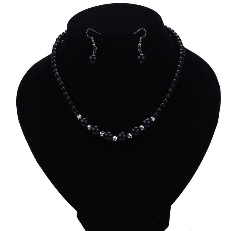 """Комплект бижутерии """"Жемчуг"""" ожерелье и серьги, цвет черный"""