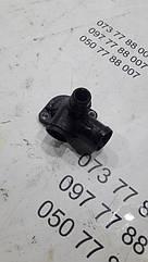 Патрубок антифризу Volkswagen Passat b5