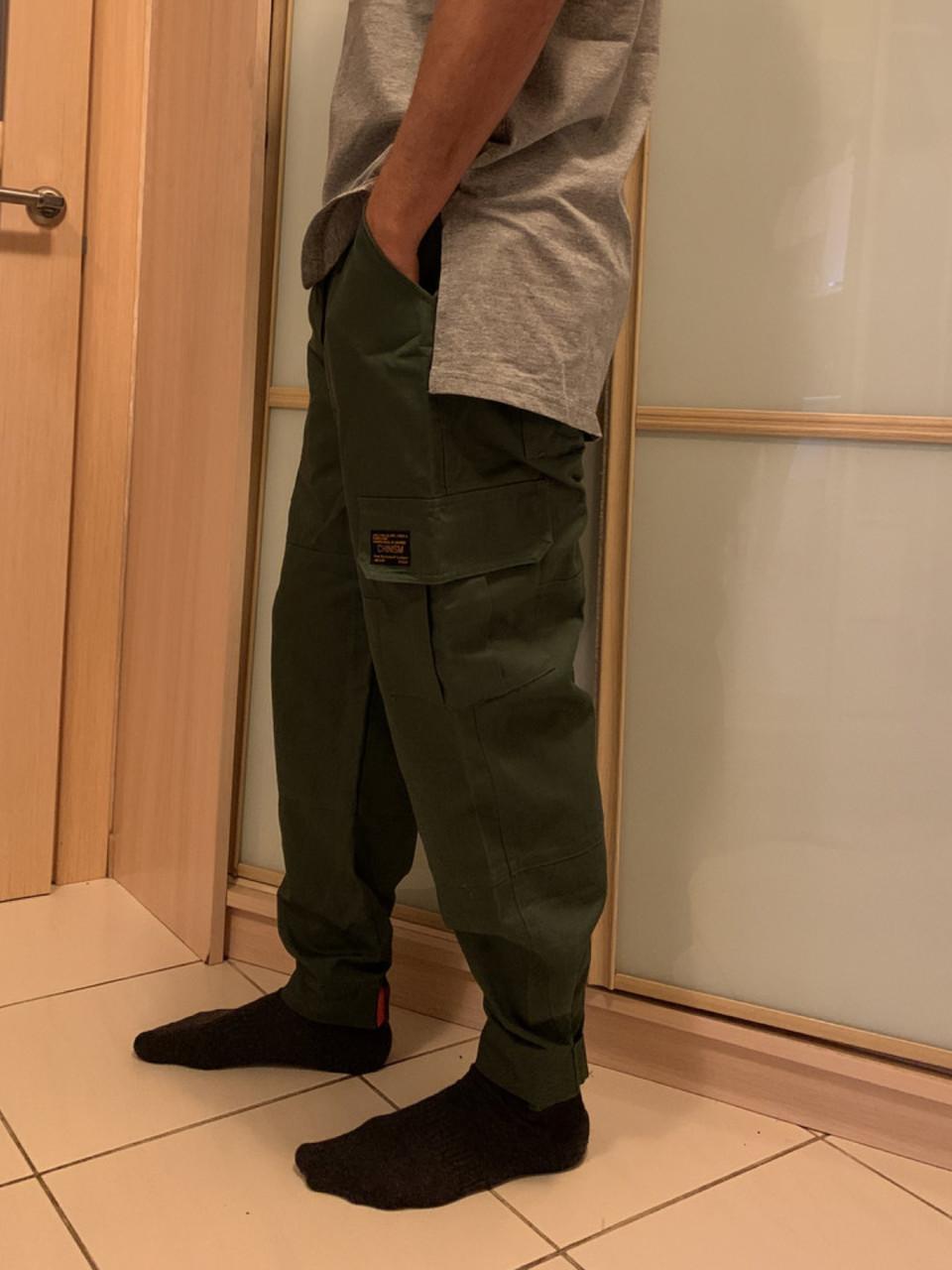 Штаны карго олива с боковыми карманами хаки