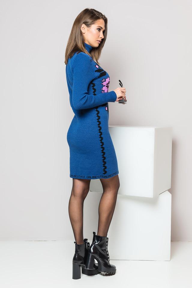Теплое вязаное платье-вышиванка Дарина (джинс, сирень, черный)
