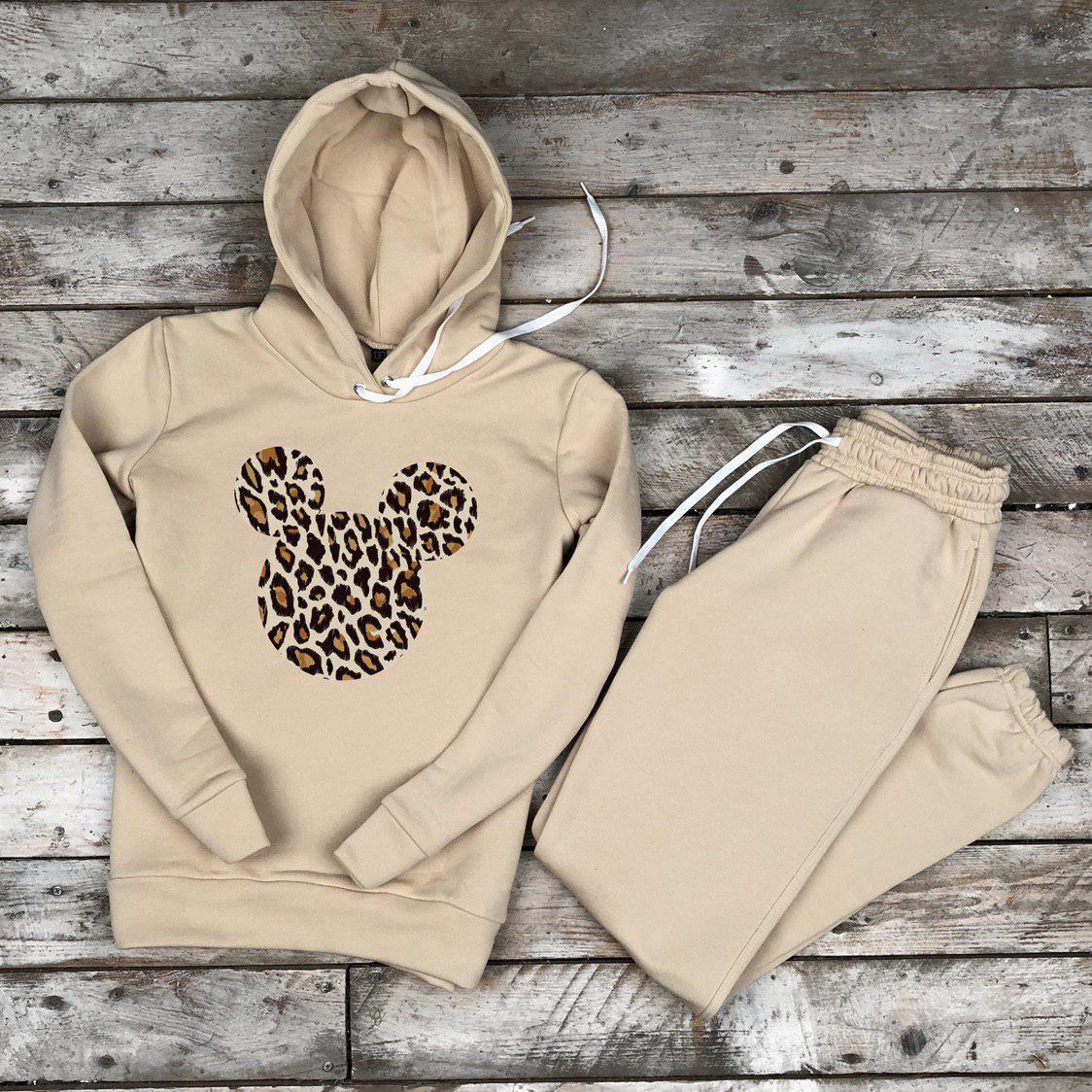 Женский утепленный спортивный костюм Леопардовый Микки бежевый