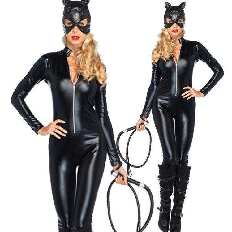 Латексный костюм женщины кошки