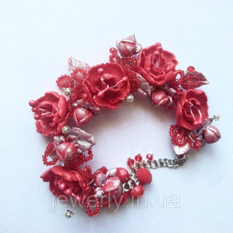 Браслет с красными розами из полимерной глины
