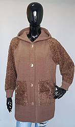 Молодежное меховое пальто с капюшоном в расцветках