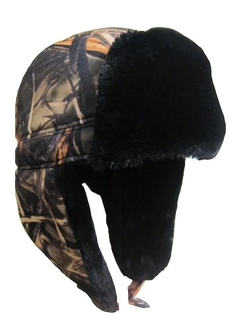 Камуфлированная теплая шапка