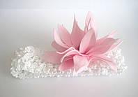 Детская повязка на голову с цветком