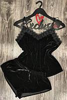 Черная бархатная пижама майка и шорты.