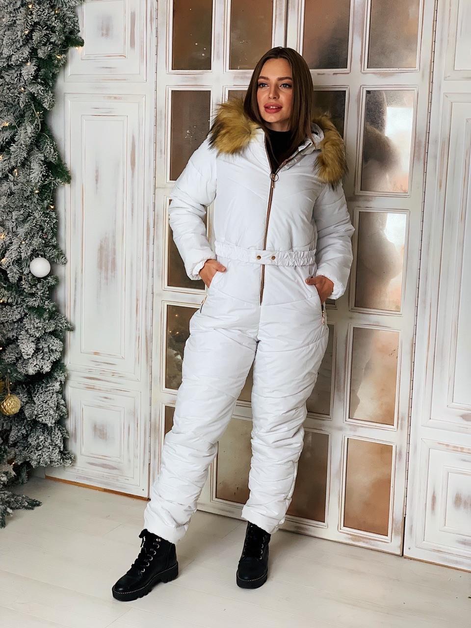 Женский зимний комбинезон с мехом на капюшоне в расцветках tez410839