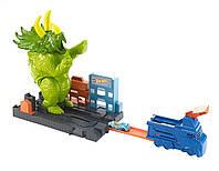 Оригинальный детский трек Хот Вилс Город Разгневанный трицератопс Hot Wheels Smashin' Triceratops GBF97