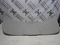 Центральная нижняя обшивка крышки багажника Toyota Venza, фото 1