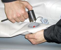 заміна склянки повітряного клапана човни ПВХ (Колібрі, Барк, Вулкан, Шторм)