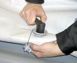 заміна склянки клапана на човні пвх