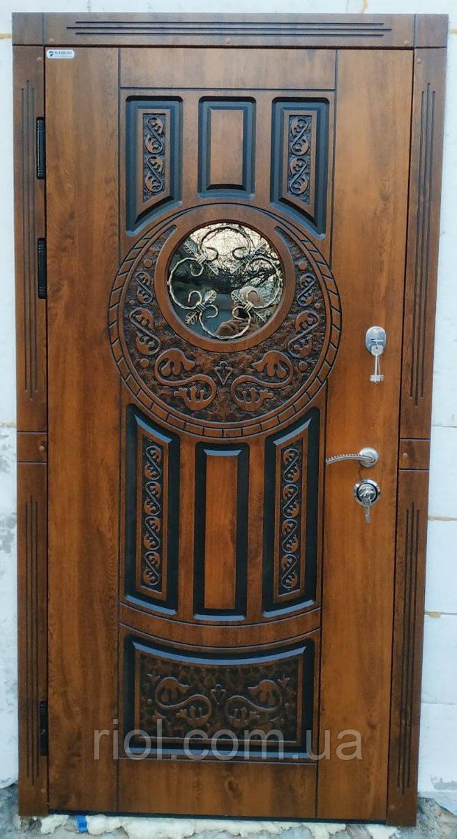 Двері вхідні зі склом і ковкою Коло серії Прайм ТМ Каскад