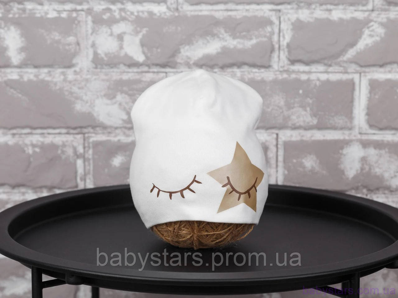 """Детская шапка """"Eyes"""", молоко"""