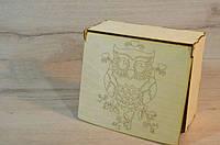 Дерев'яна коробка для пакування. Подарункова коробка