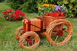 Кашпо для сада (трактор плетеный из лозы), длина 50 см
