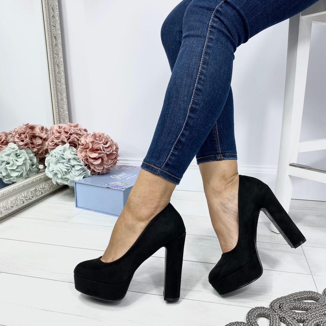 Шикарные туфли на каблуке