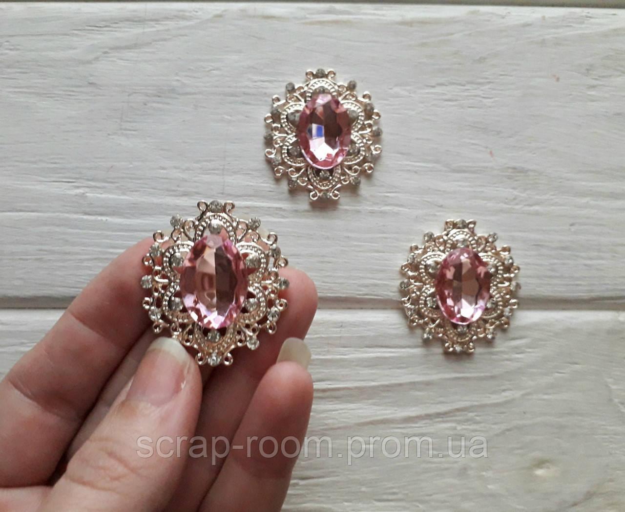 Брошь золото со стразами, брошь с розовым камнем, брошь с камнем, брошь свадебная, размер 28*32 мм, цена за шт