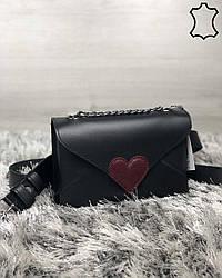 Кожаная  сумка клатч Leya с черного цвета с бордовым сердечком