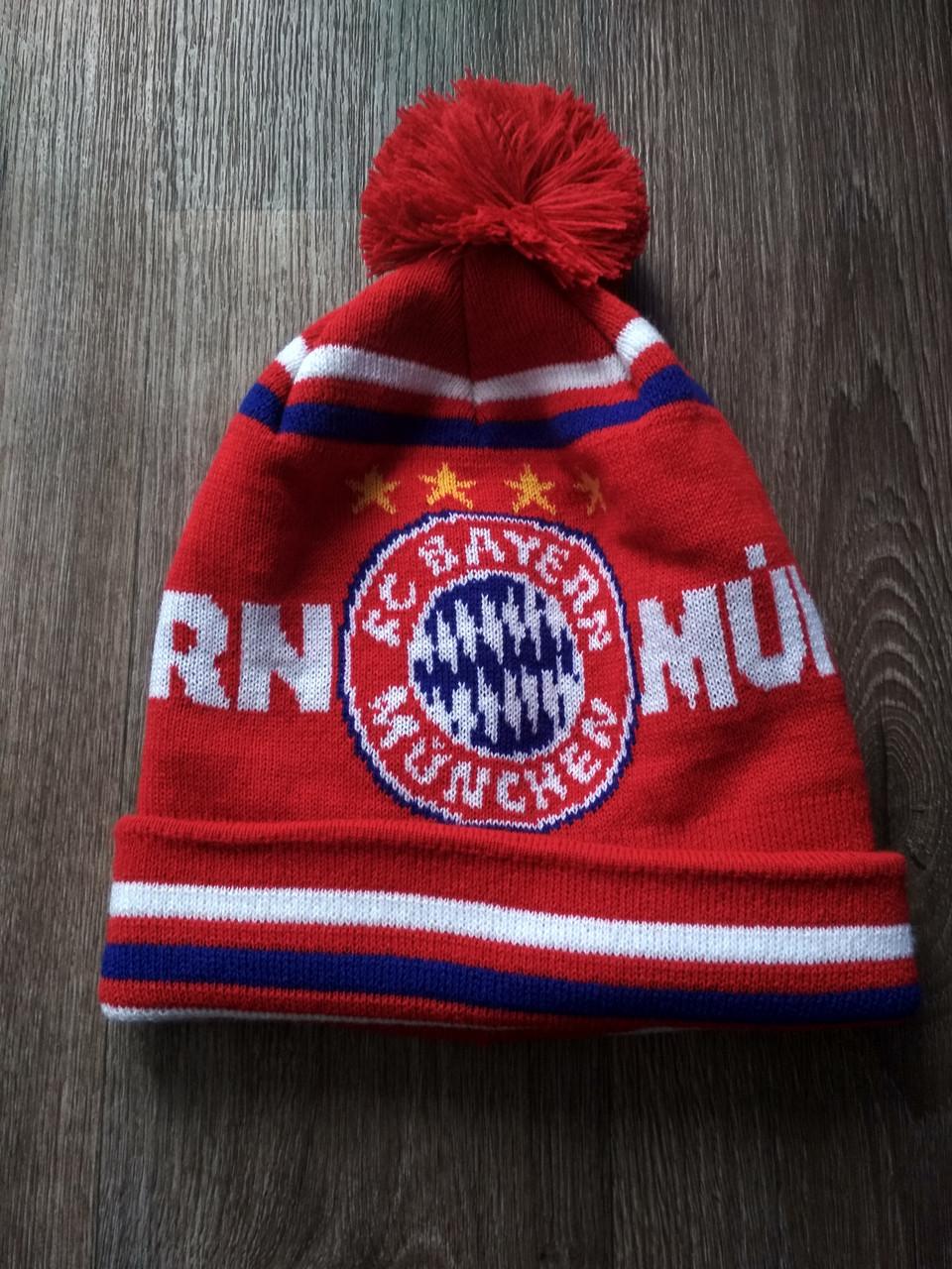 Футбольная шапка Бавария красная