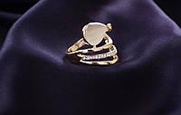 Кольцо женское, свадебное с крупными камнями