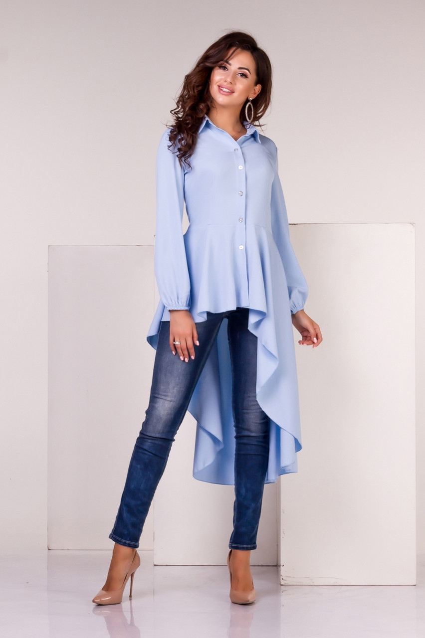 Блузка асимметричная голубого цвета