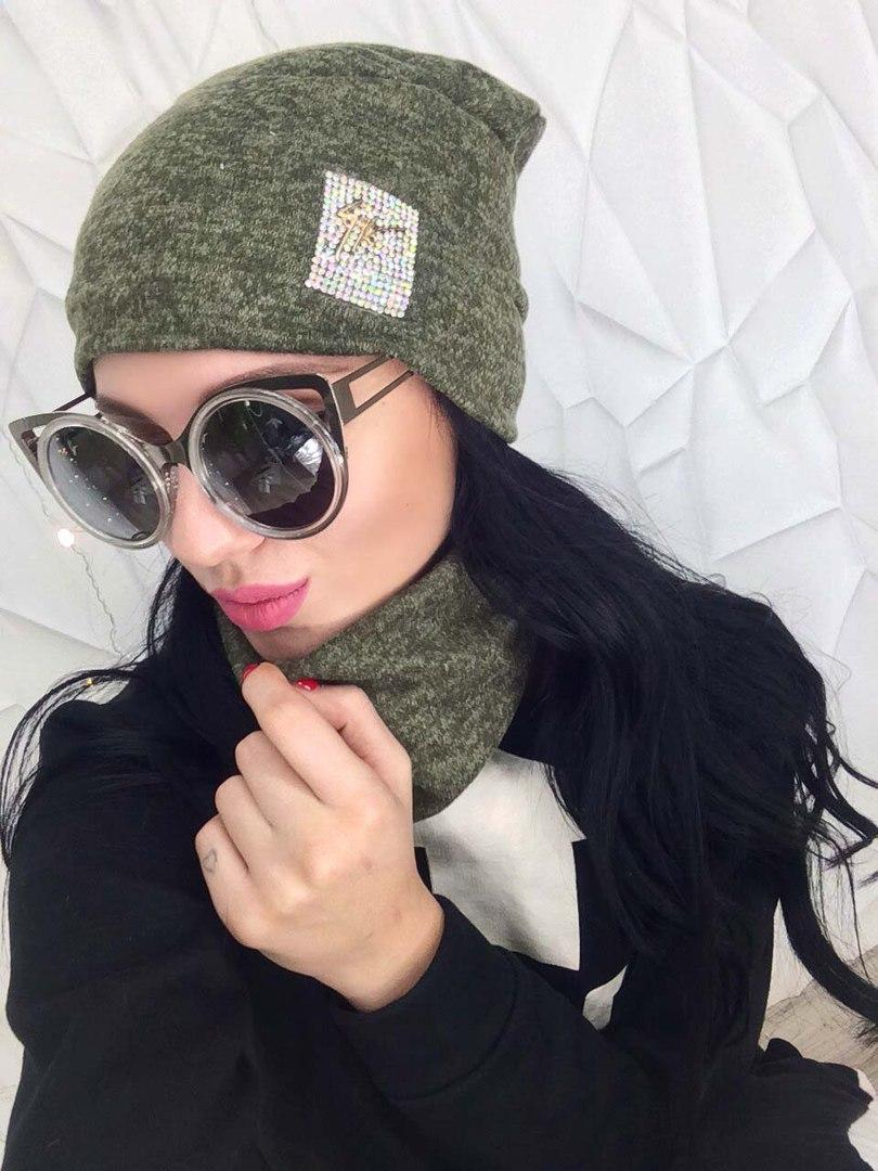 Женская шапка и снуд с термонаклейкой   цвета  хаки от YuLiYa Chumachenko