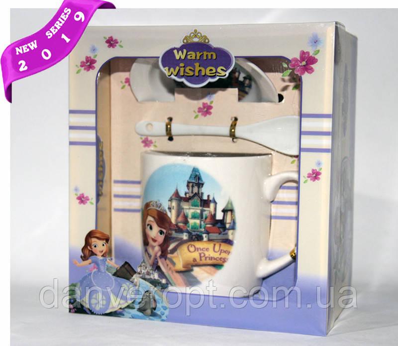 Чашка подарочная  SOFIA in CASTLE  с ложкой и крышечкой фарфор 350 мл , купить оптом со склада Одесса 7км